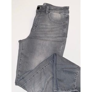Maurices High Rise Grey Jegging Size 12